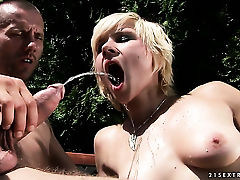 Blonde Chicky Clarissa spends her sexual energy