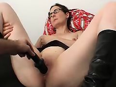 Milf Gets Her Pussy Toyed !