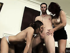 Kiera King gets turned on before she takes