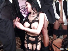 Two pretty arousing and sexy brunette pornstars Veronica Avulv and