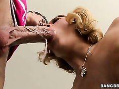 Dangerously horny hooker Krissy Lynn gets painted with