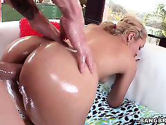Tinslee Reagan gets turned on then