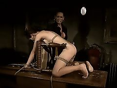 Tall dominating slut Issa Bella is punishing her tied up