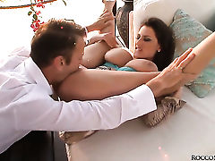 Sensual Jane gets turned on then dicked by Rocco Siffredi