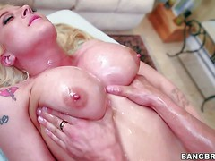 Leyla Falcon is one sexy bodied oiled up blonde that