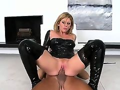 Brooklyn Lee is a true hottie with bis ass and large mouth. This time she is making a