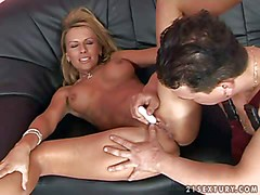 Smoking hot blonde milf with perfect firm hooters spreads long