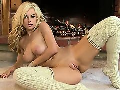 Wonderful blonde babe with a smoking hot asshole Danielle Trixie is wearing her beautiful