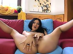 Extremely horny goddess Vanessa Vaughn finds
