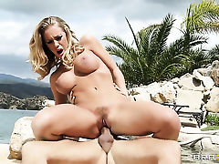 Nicole Aniston with giant boobs gets a pussy