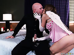 Johnny Sins gets pleasure from fucking