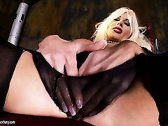Blonde Gitta Blond is horny as hell and