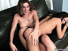 Cassidey and Kayla Paige open their legs legs