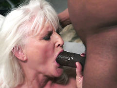 Mature with juicy boobs lets dude shove