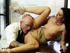 India Summer gets face stuffed by dudes stiff boner  : Pornalized.com erotic movie