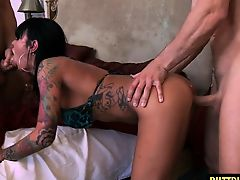 Tattoo wife threesome with facial