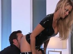 Amazing slut Jessica drake seduces her boss