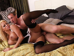 Blonde with big ass and hairless cunt gets her pretty