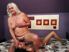 Blonde with big knockers spends her