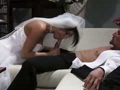Dylan Ryder has blowjob experience of her lifetime with hard dicked guy