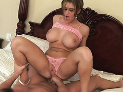 Sex starved pornstar enjoys deep pussy slamming