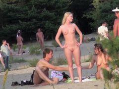 Nude amateurs hot bodies on the hidden beach spy cam sb1