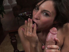 Sex hungry hottie Amber Rayne does to make