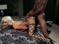 Tara Holiday makes man unload spunk upon her face