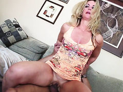 Sydney A does oral job for hot