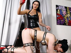 Lucia Love gets her slit attacked