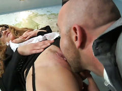 Samantha Hayes gets her pretty face cum drenched