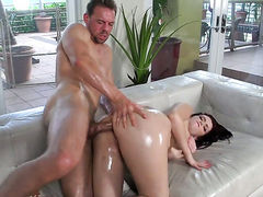 Ryan Smiles with bubbly butt is wet as the ocean in this steamy anal scene with