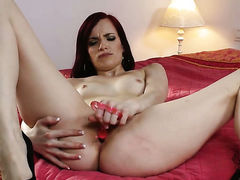 Dangerously horny hussy Leila Smith with tiny tits and trimmed
