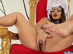 Twistys - Naked Queen - Dani Daniels