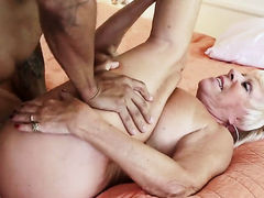With massive breasts learns more about interracial hardcore sex from hard cocked bang buddy