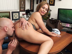 Brunette senorita with phat ass and bald bush tries her hardest