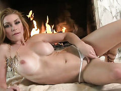 Heather Vandeven with hairless snatch has