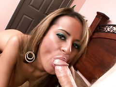 Jodi Bean gets impaled on worm by hot man