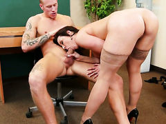 Brunette with juicy ass and hairless twat