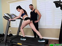 Kyra sucking her gym instructors dick