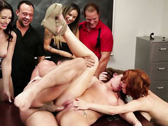 Veronica Avluv sucks like a first rate hoe