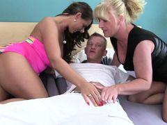Reife Swinger - Dirty German FFM threesome with horny mature German swinger babes