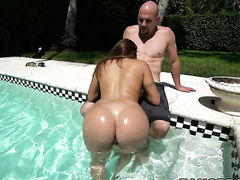 Milf sexy gal Julianna Vega with bubbly bottom needs
