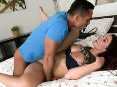 Piercings Emma Leigh gets ruthlessly fucked