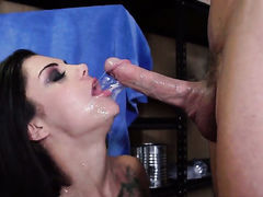 Bonnie Rotten with big hooters gets her bootyheavily