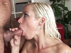 Silvie Deluxe does to make man bust a nut  - Pornalized.com sex video