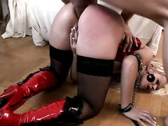 Cindy Dollar gets the hole between her ass cheeks rammed by Omar Galantis