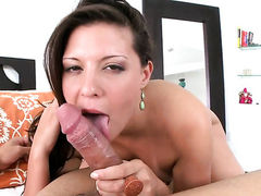 Gisselle shows sex tricks to horny