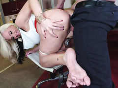 Milf is in heat in solo action