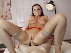 Brunette bombshell gets pumped to death by hot guy